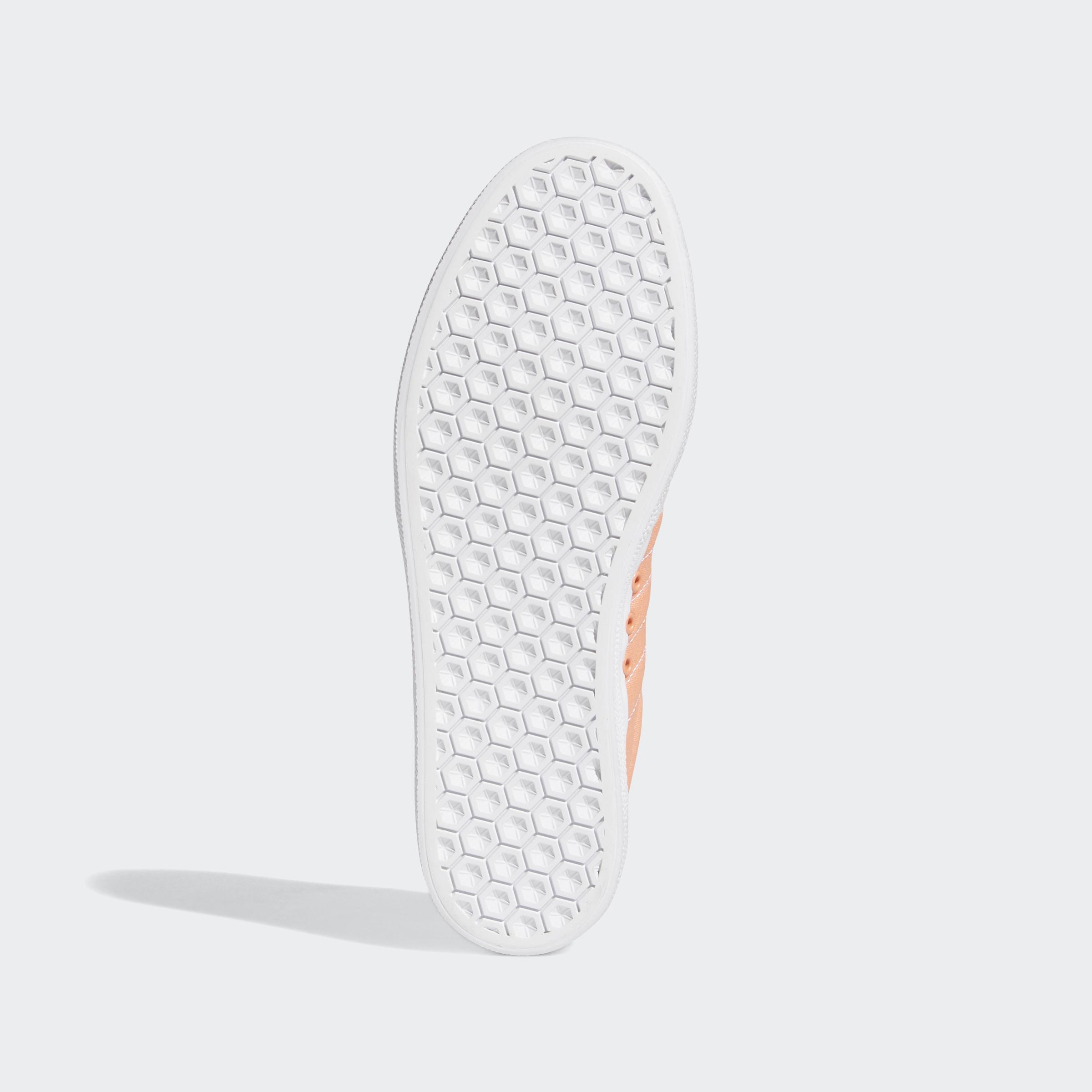 adidas-3MC-Shoes-Athletic-amp-Sneakers thumbnail 21