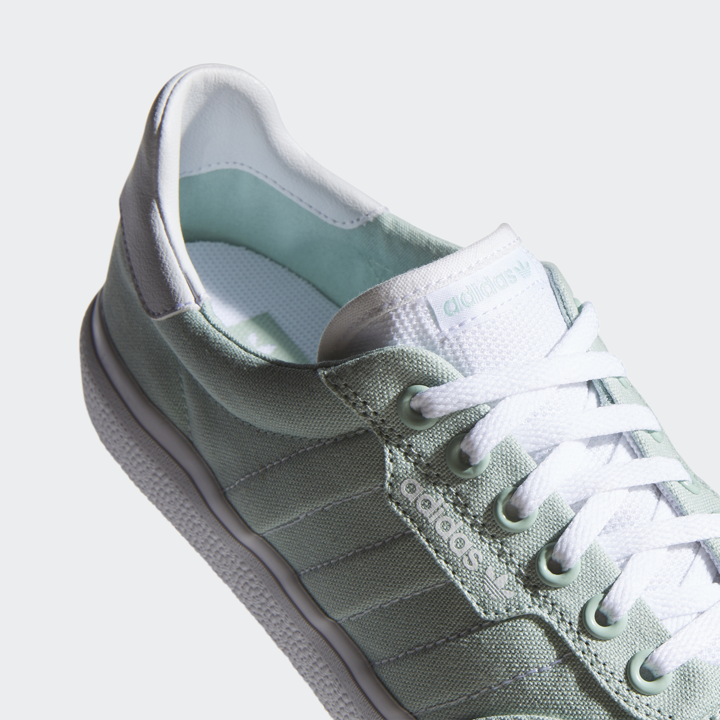 adidas-3MC-Shoes-Athletic-amp-Sneakers miniature 17
